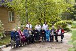 Сиделки с пожилыми людьми